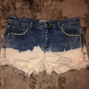 Cute denim destroyed free people shorts size 25